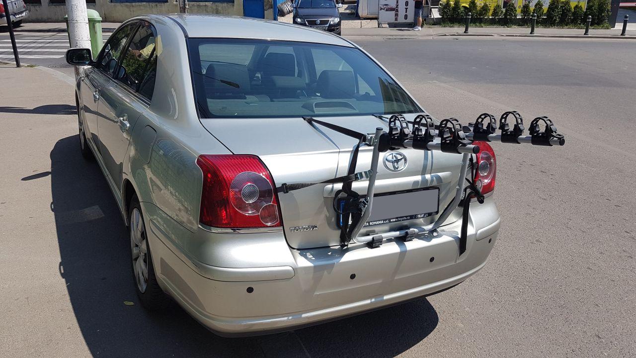 Toyota Avensis suport bicicleta pe haion Menabo Mistral