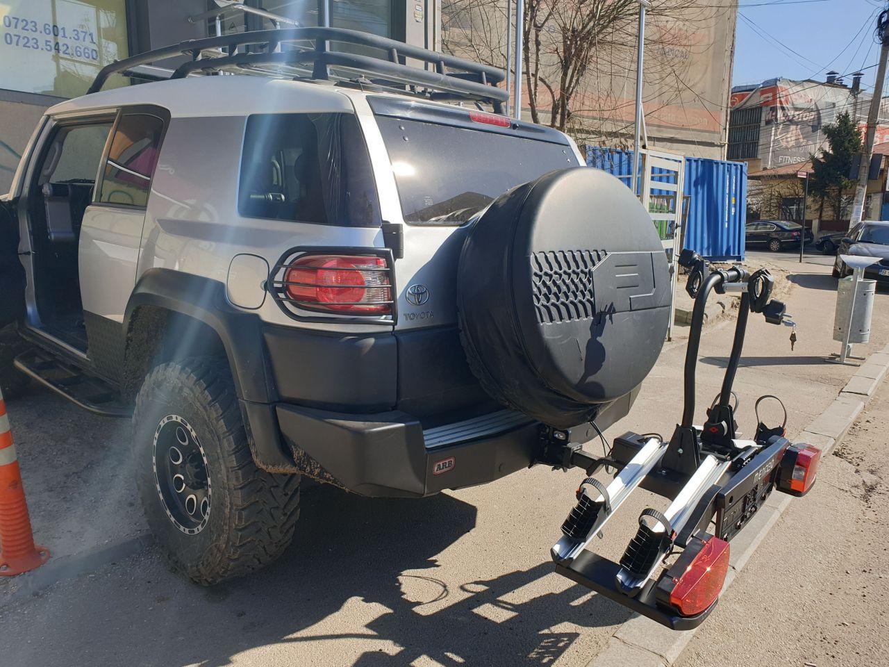 Toyota FJ Cruiser suport bicicleta Menabo Altair
