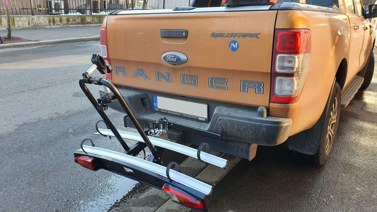 Ford Ranger cu suport bicicleta pe carlig Menabo Merak Rapid