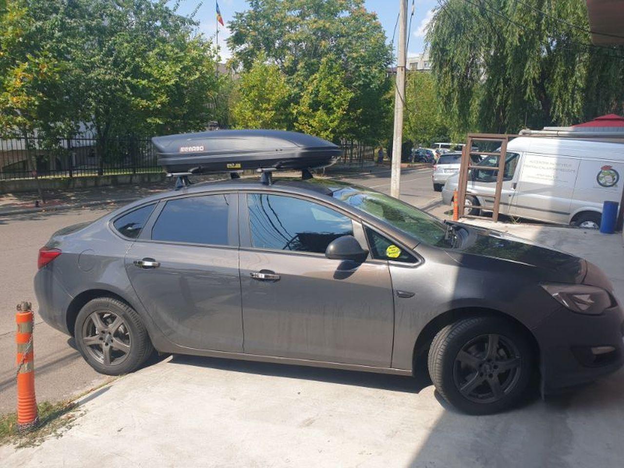 Opel Astra cutie portbagaj Menabo Mania